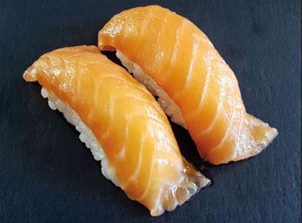 Nigiri Salmone